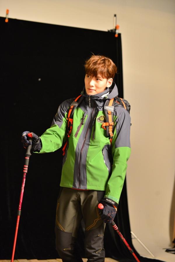 지창욱_화보_촬영스케치_노스케이프_지창욱05