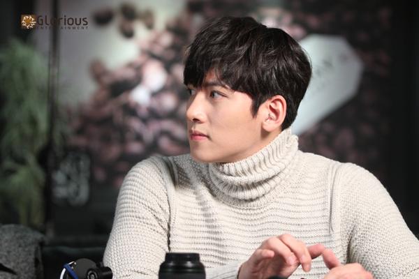 "Drama] New stills of Ji Chang Wook in ""Healer"" (Part 3) | Ji Chang"