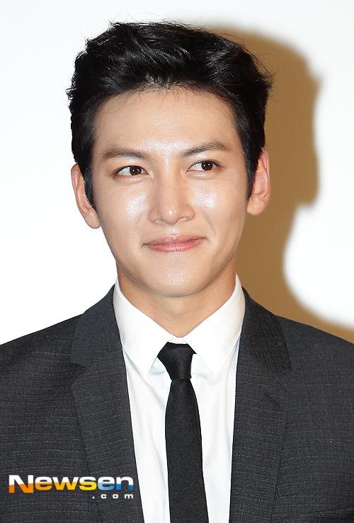drama ji chang wook attends preview screening for the k2 ji