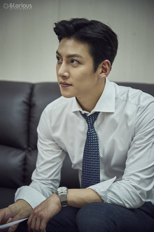 [Drama] Even more behind-scenes photos of Ji Chang Wook in